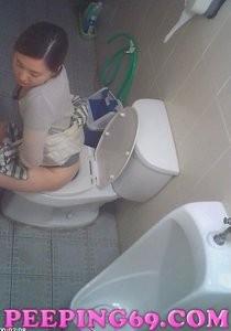 Alluring lady voyeur korean toilet